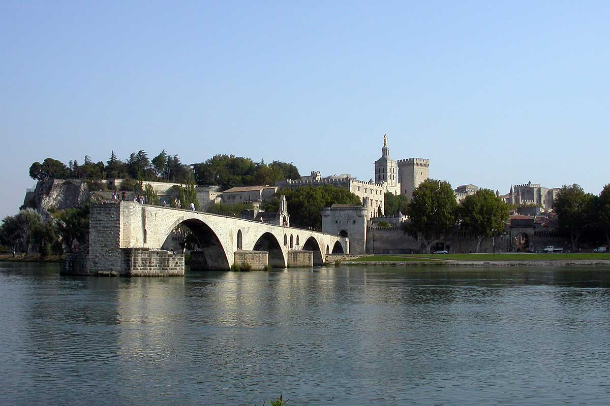 Bed and breakfast avignon provence bed and breakfast for Chambre avignon