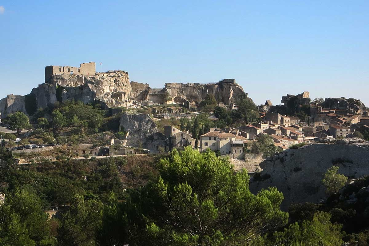 Bed and breakfast near les baux de provence provence bed for Chambre d hotes baux de provence
