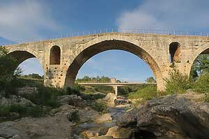 Pont Julien, antique pont romain - Bonnieux © VF
