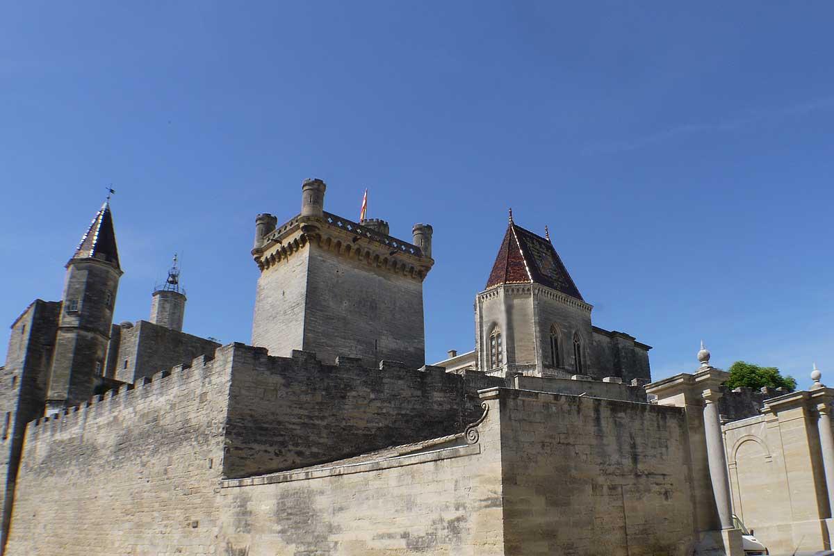 Chambres dHotes Au Chateau SaintNicolasdelaGrave France